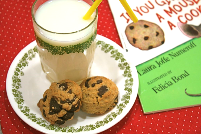 Mouse's Chocolate Chip Cookies recipe - If You Give a Mouse a Cookie - offtheshelfblog.com