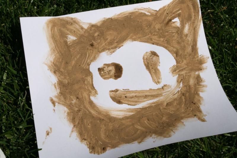 Squelch Squerch Finger Painting - We're Going on a Bear Hunt - offtheshelfblog.com