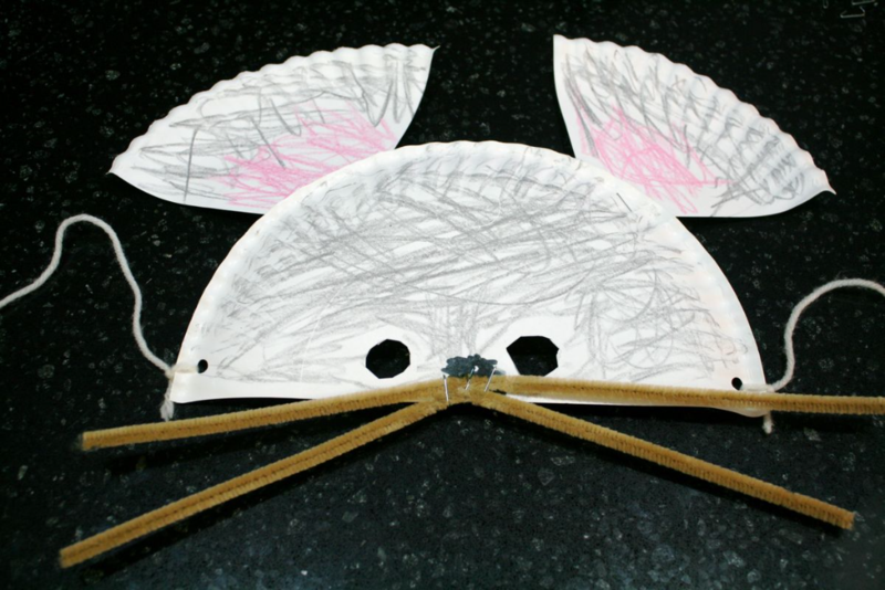 Paper Plate Mouse Mask - offtheshelfblog.com